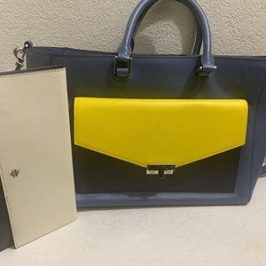 Tory Burch Tote/Hand Held Blue Leather Tote